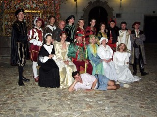 Performers from Night visits in the castle in Jindrichuv Hradec 2004 are looking forward to see you in 2005